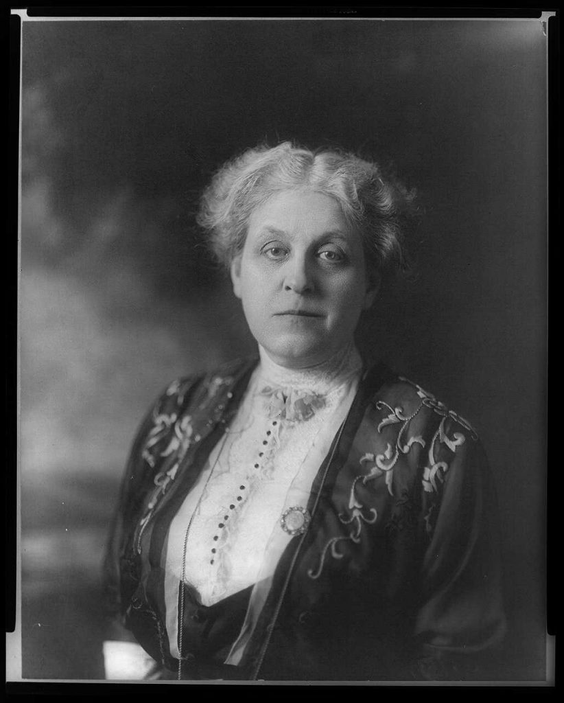 Carrie Chapman Catt - head-and-shoulders portrait - facing front - Library of Congress